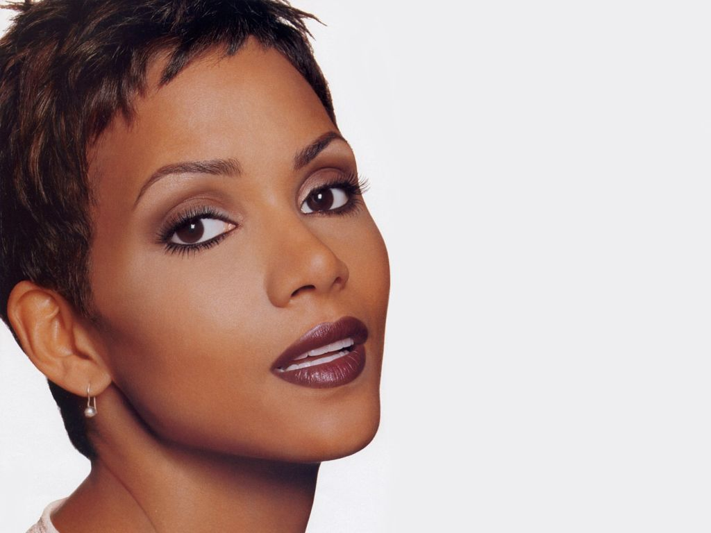 tapeta_halle_berry