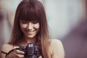 kobieta i aparat
