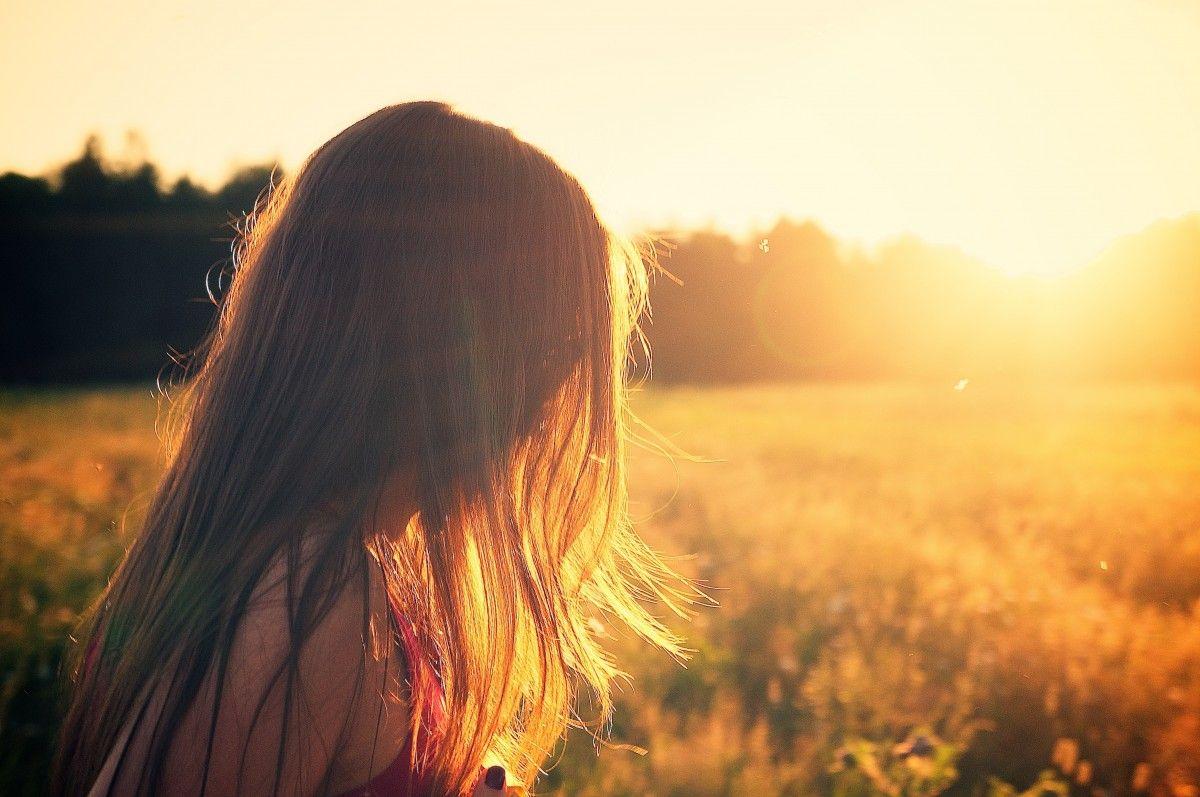 włosy, zachód słońca