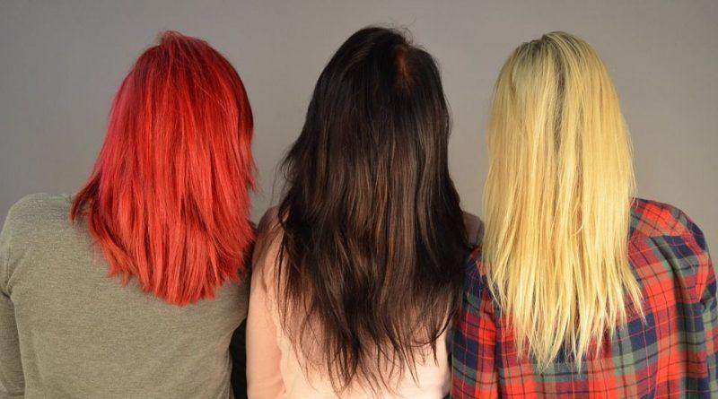 włosy w różnych kolorach